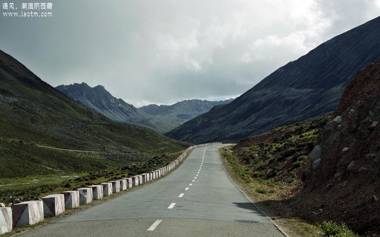 快到米拉山口的时候又开始变天了