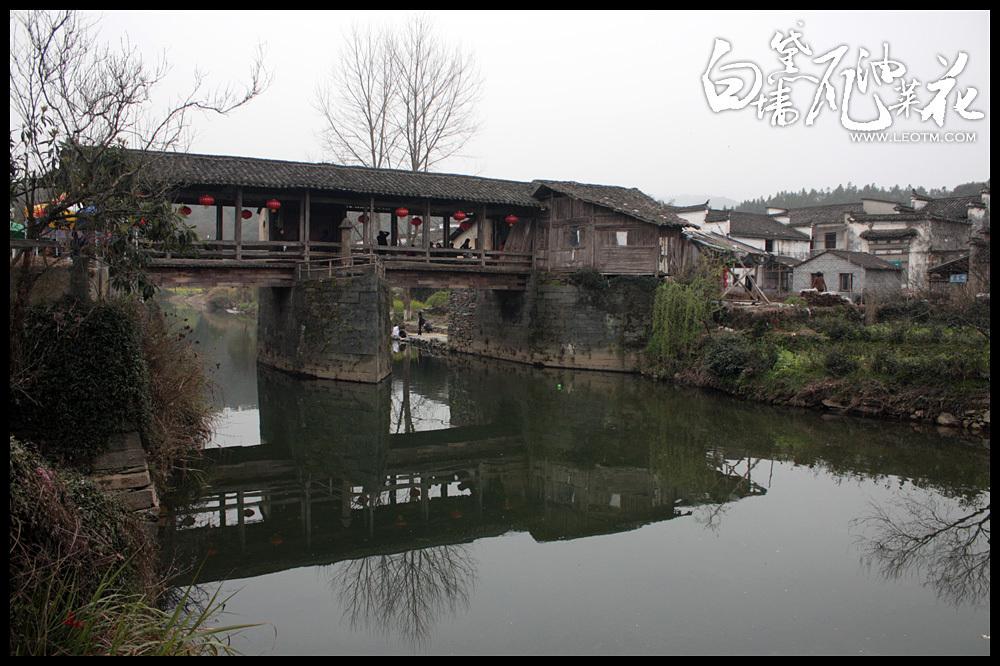 村口的通济桥。