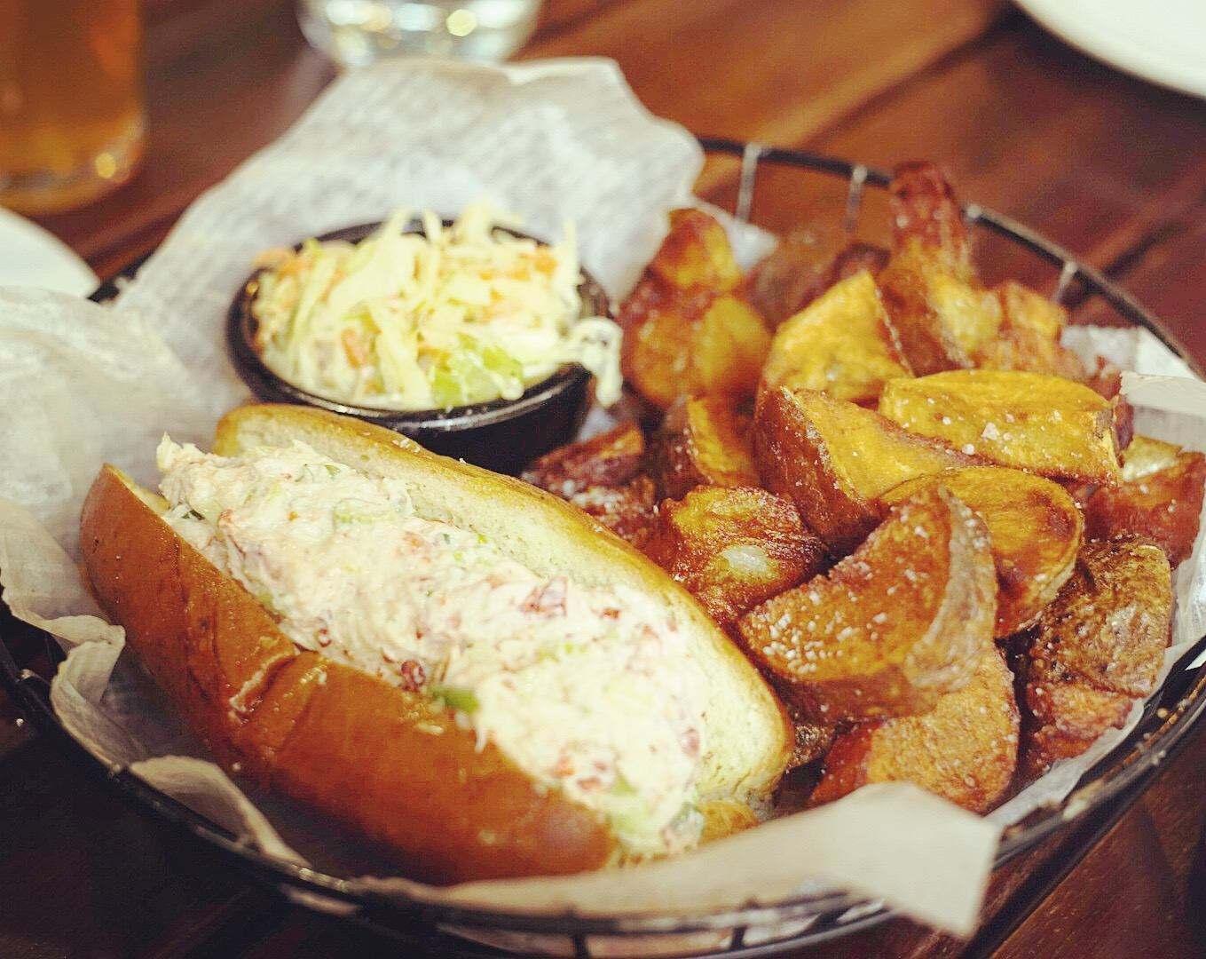 龙虾面包配土豆