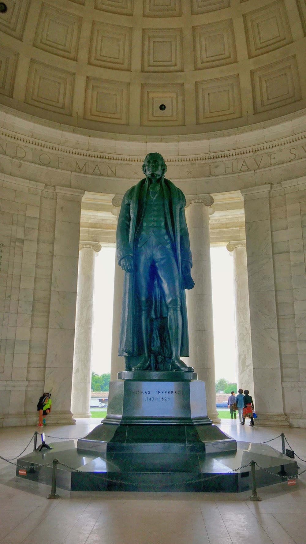杰斐逊纪念堂雕像