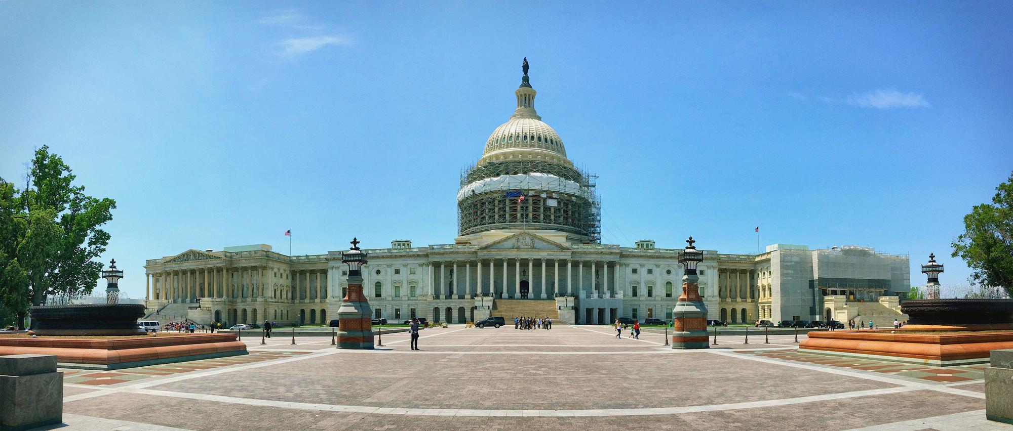 美国国会后景